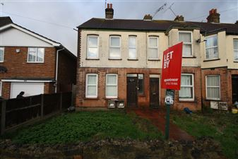 Property image of home to let in Carlingford Drive, Westcliff On Sea