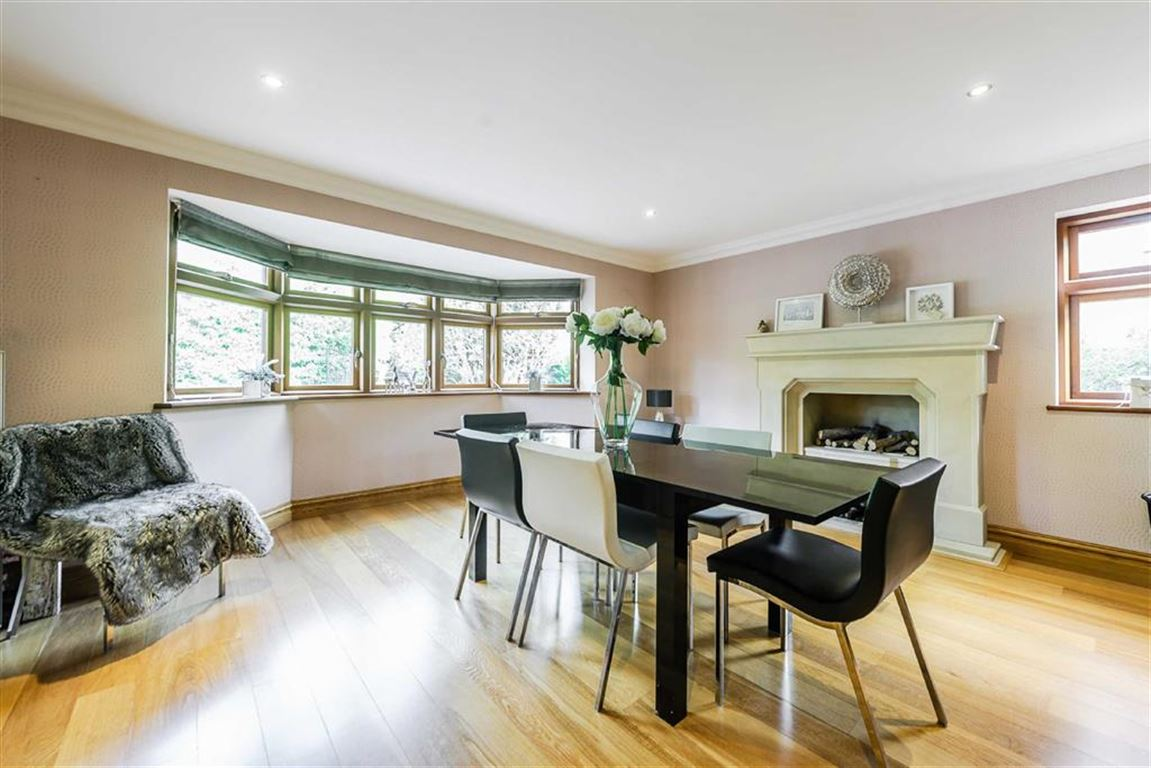 House for Sale | Foxbury Drive, Dorridge, B93 8JW |  | Aston Knowles