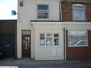 Property in Cross Street, Rugby