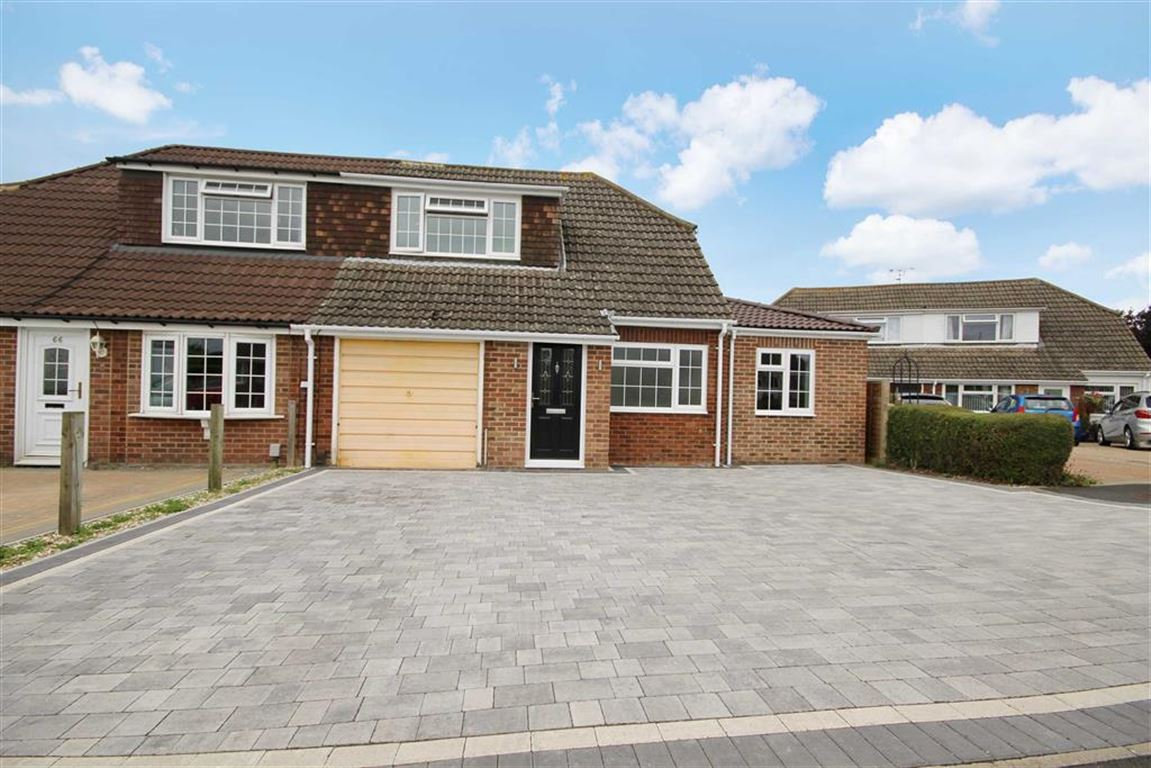 3 Bedrooms Semi Detached House for sale in Colebrook Road, Coleview, Wiltshire