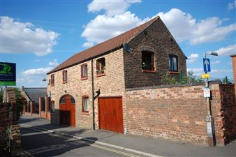 Property in Cinder Lane, Louth