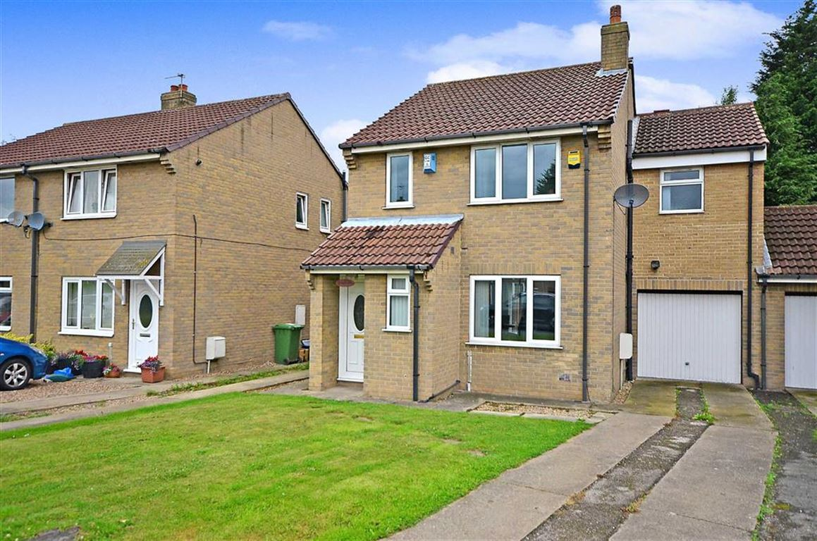 4 Bedrooms Property for sale in Pinewood Drive, Camblesforth, Selby, YO8