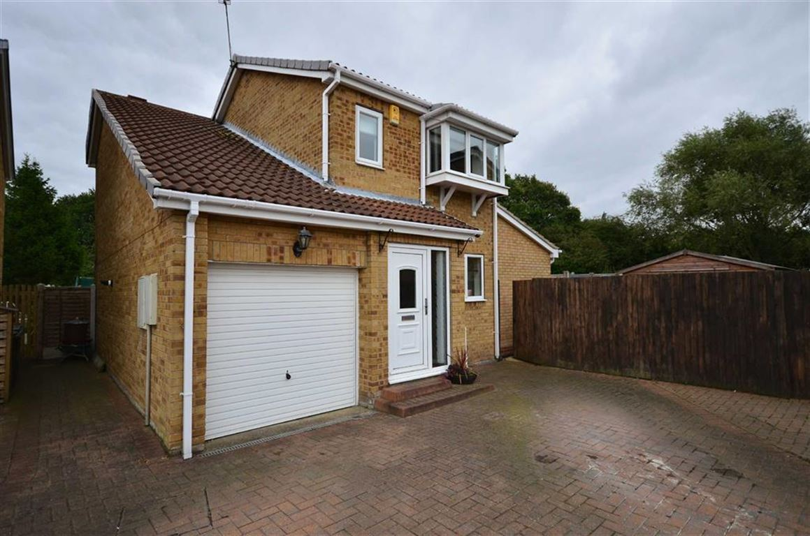 3 Bedrooms Property for sale in Honeysuckle Close, Selby, YO8