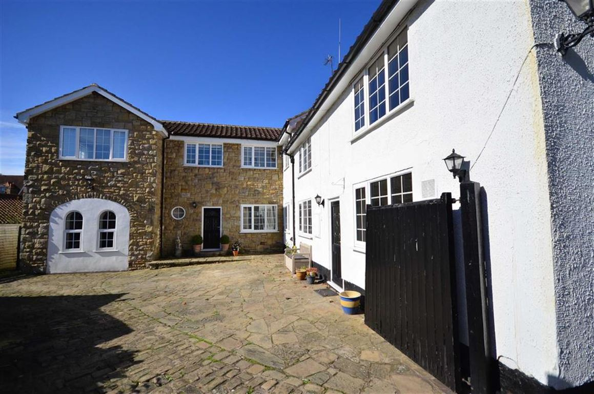 5 Bedrooms Property for sale in Church Hill, Wistow, Selby, YO8