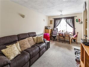 Property image of home to let in Bluebell Close, Wallington