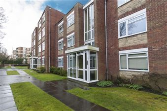 Property image of home to let in Woodcote Road, Wallington