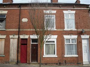 Property in Cedar Road, Leicester