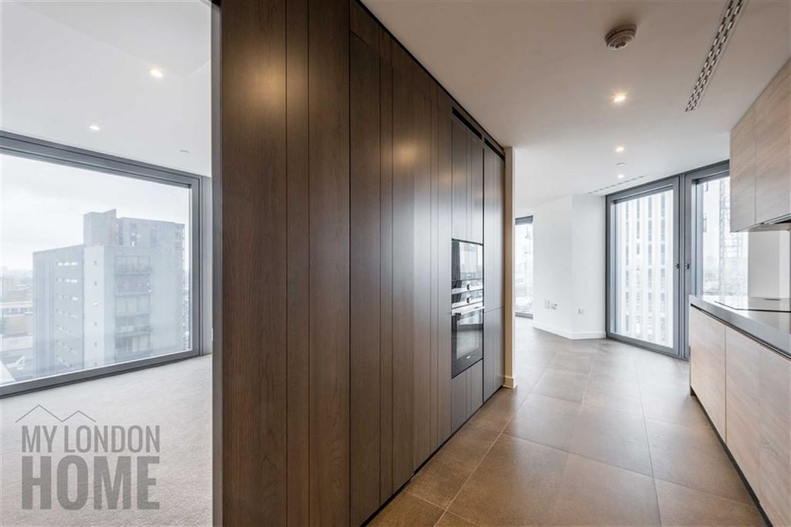 2 Bedrooms Property for sale in The Chronicle Tower, Old Street, London, EC1V