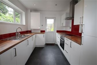 Property in Endsleigh Park Road, Peverell