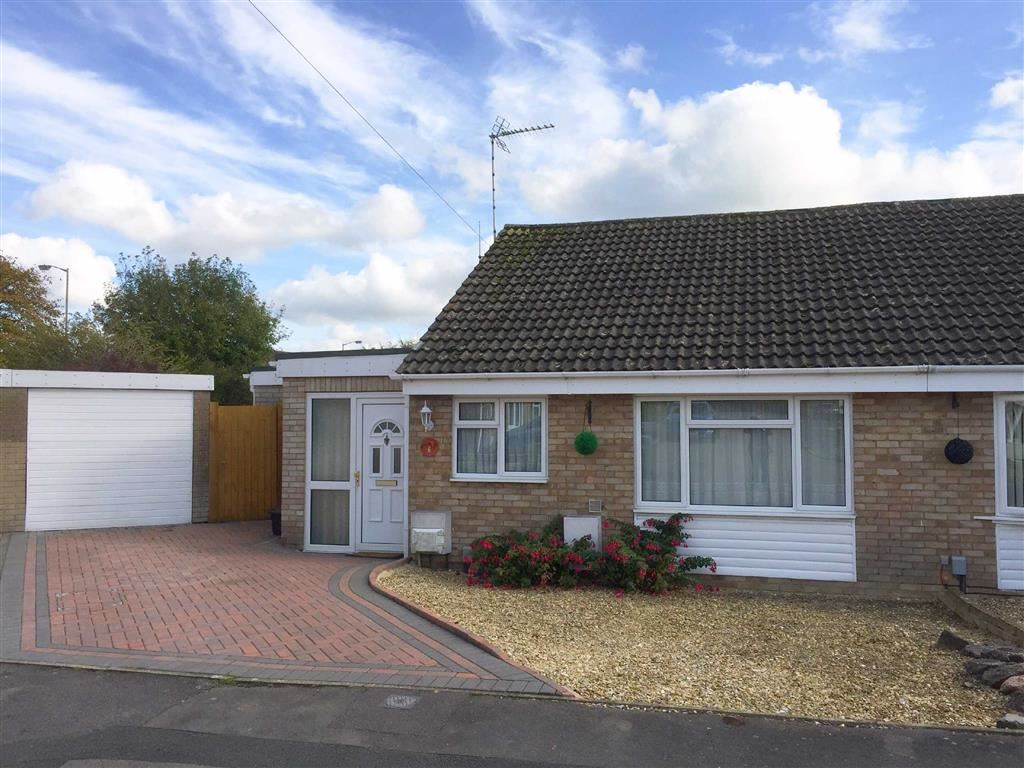 2 Bedrooms Semi Detached Bungalow for sale in Ruskin Drive, Royal Wootton Bassett, Wiltshire