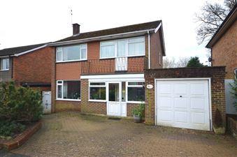 Property in Woodbourne, Farnham
