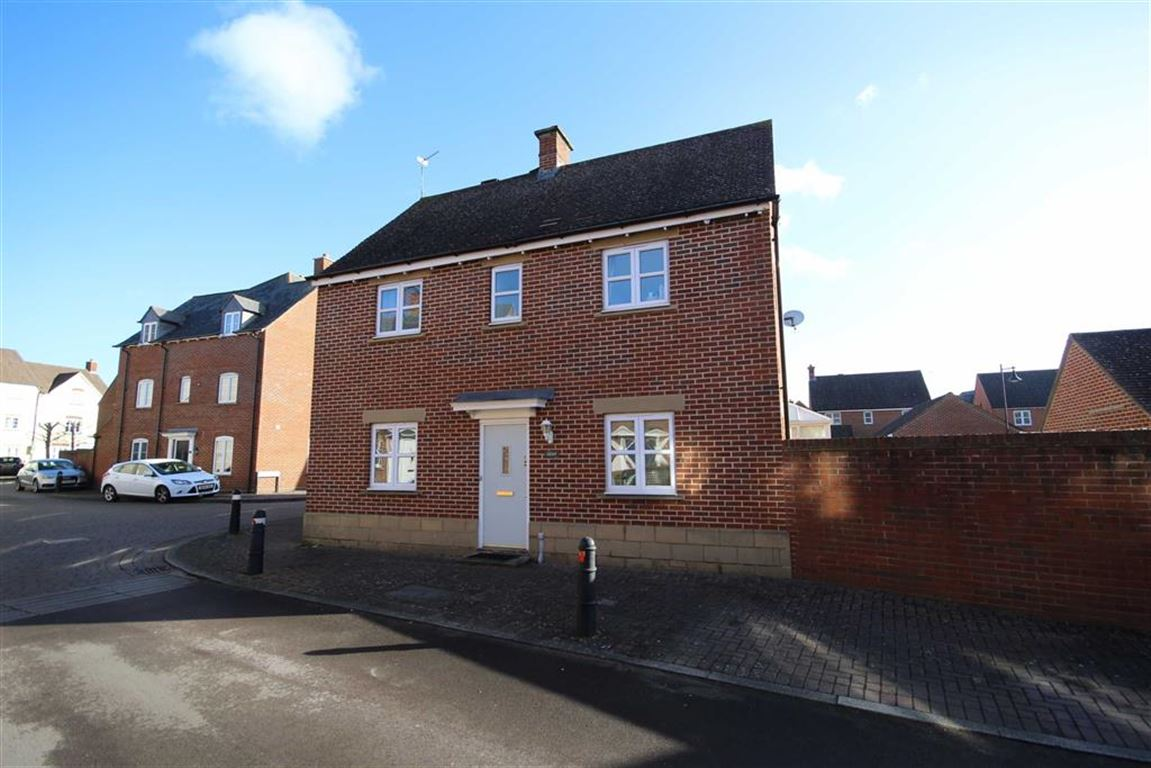 3 Bedrooms Semi Detached House for sale in Dunvant Road, Redhouse, Wiltshire