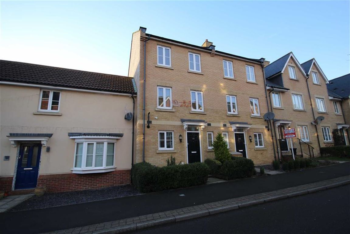 3 Bedrooms Town House for sale in Eastbury Way, Swindon, Wiltshire