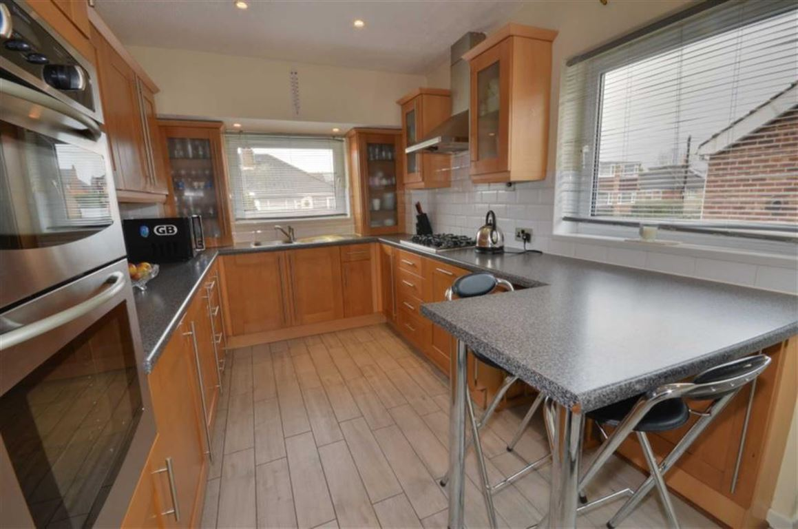 3 Bedrooms Property for sale in Wolsey Croft, Sherburn In Elmet, Leeds, LS25