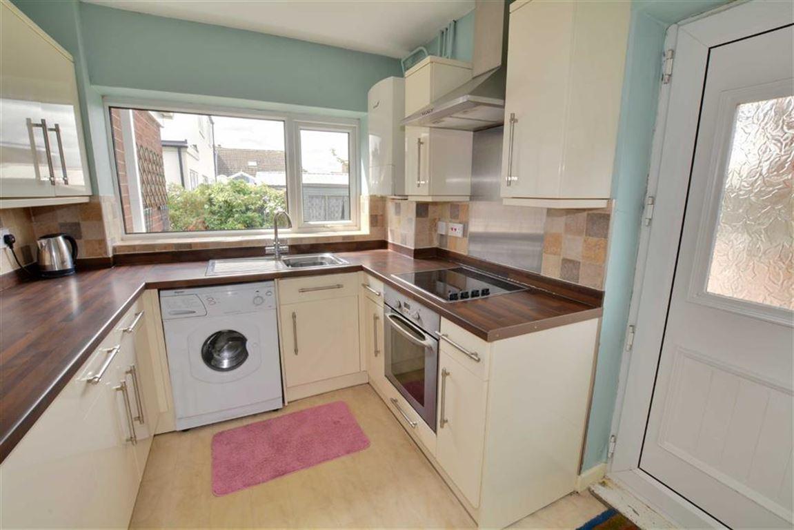 3 Bedrooms Property for sale in Moor Lane, Sherburn In Elmet, Leeds, LS25