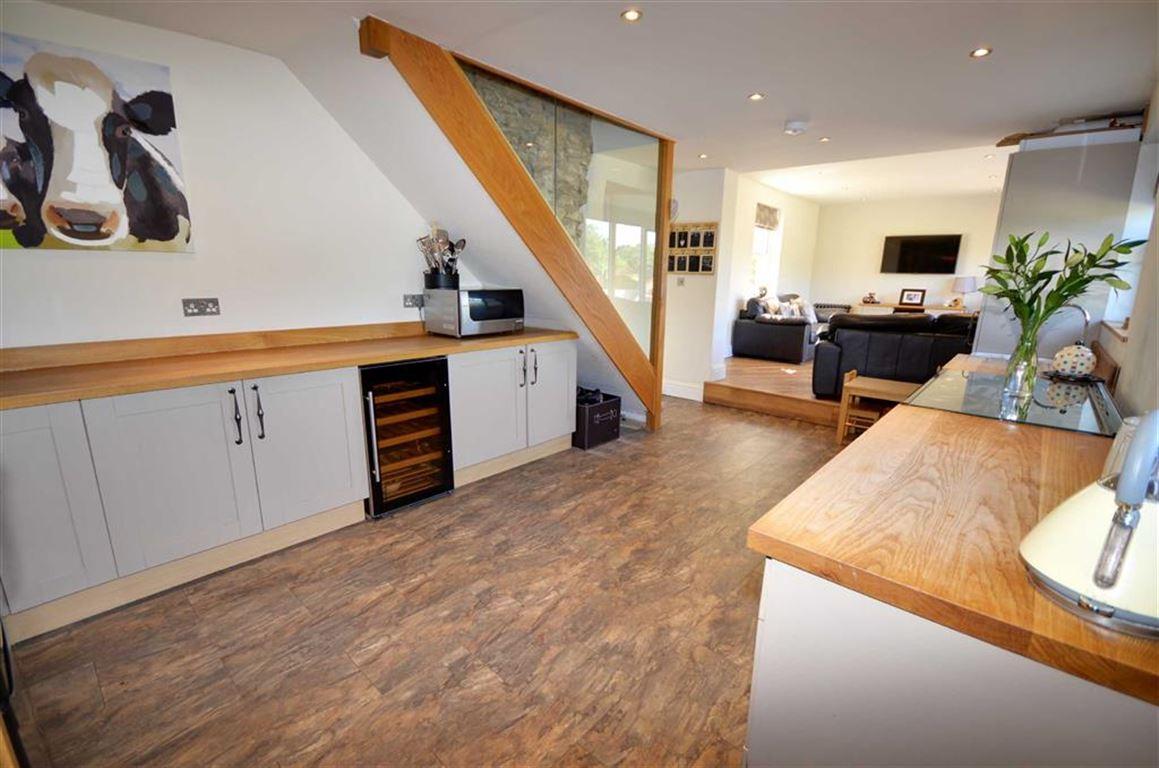 4 Bedrooms Property for sale in Garden Lane, Sherburn In Elmet, Leeds, LS25