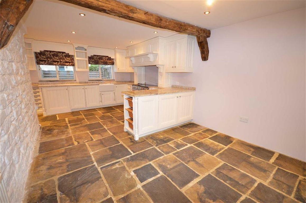 4 Bedrooms Property for sale in Main Street, Monk Fryston, Leeds, LS25