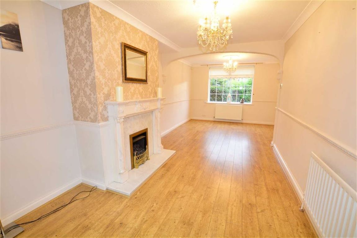 3 Bedrooms Property for sale in Fairfield, Fairburn, Knottingley, WF11