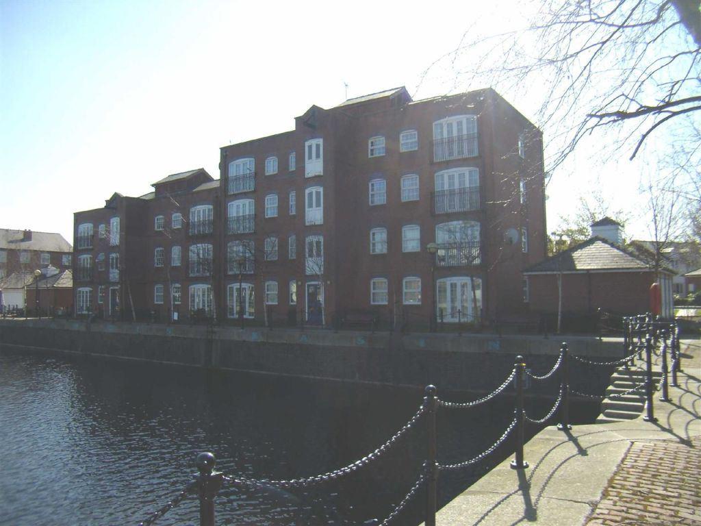 Merchants Quay, Salford Quays - 2 Bed - Apartment