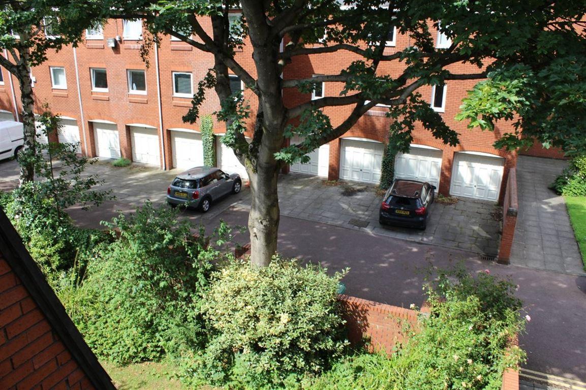Porchfield Square, Manchester - 1 Bed - Apartment