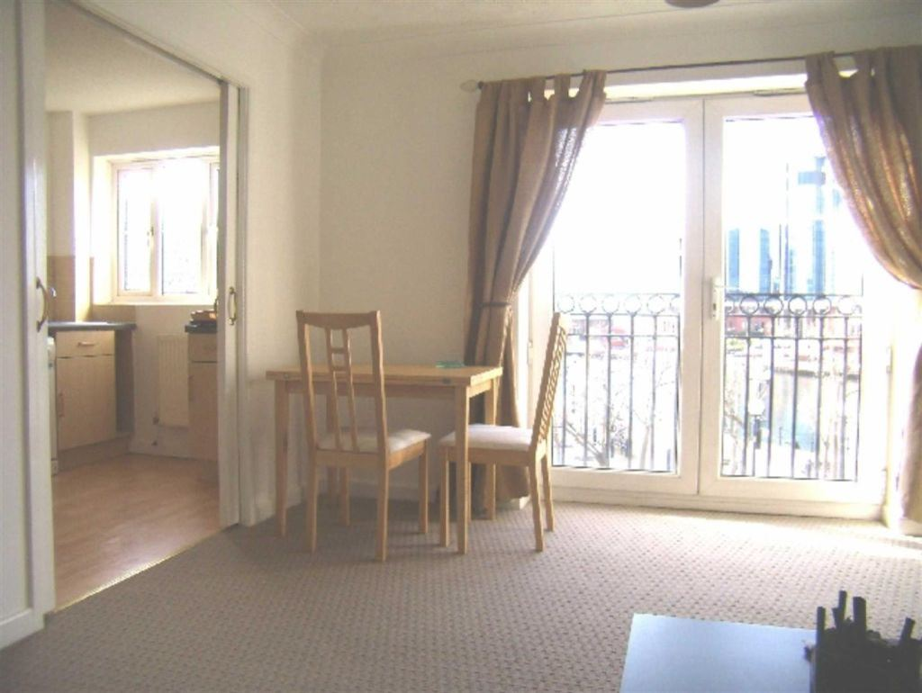 Labrador Quay, Salford - 2 Bed - Apartment