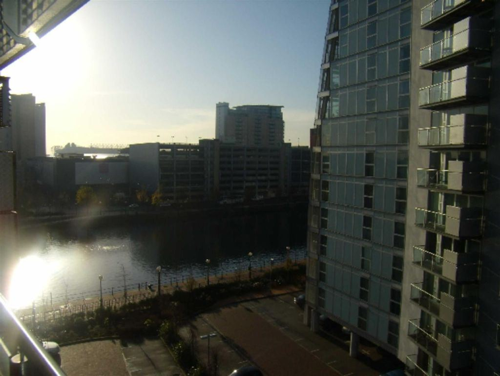 The Quays, Salford - 2 Bed - Apartment