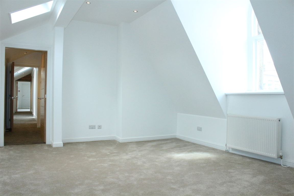 Deansgate, Manchester - 3 Bed - Apartment