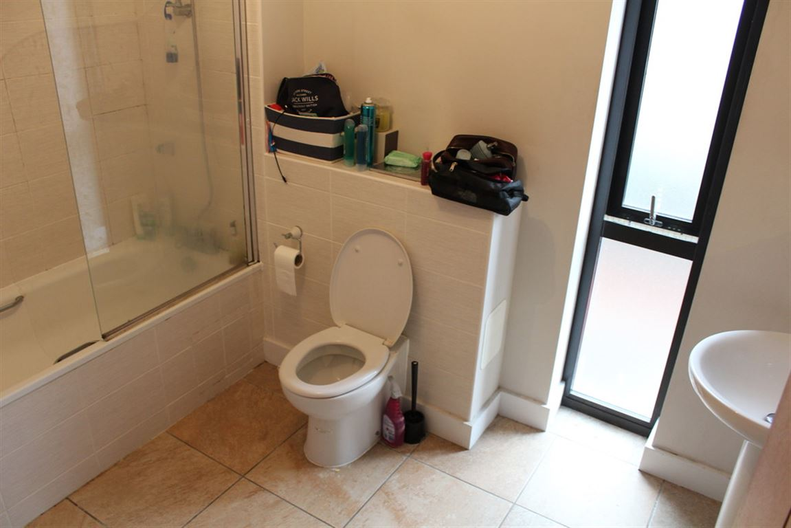 Navigation Street, Manchester - 3 Bed - Town House