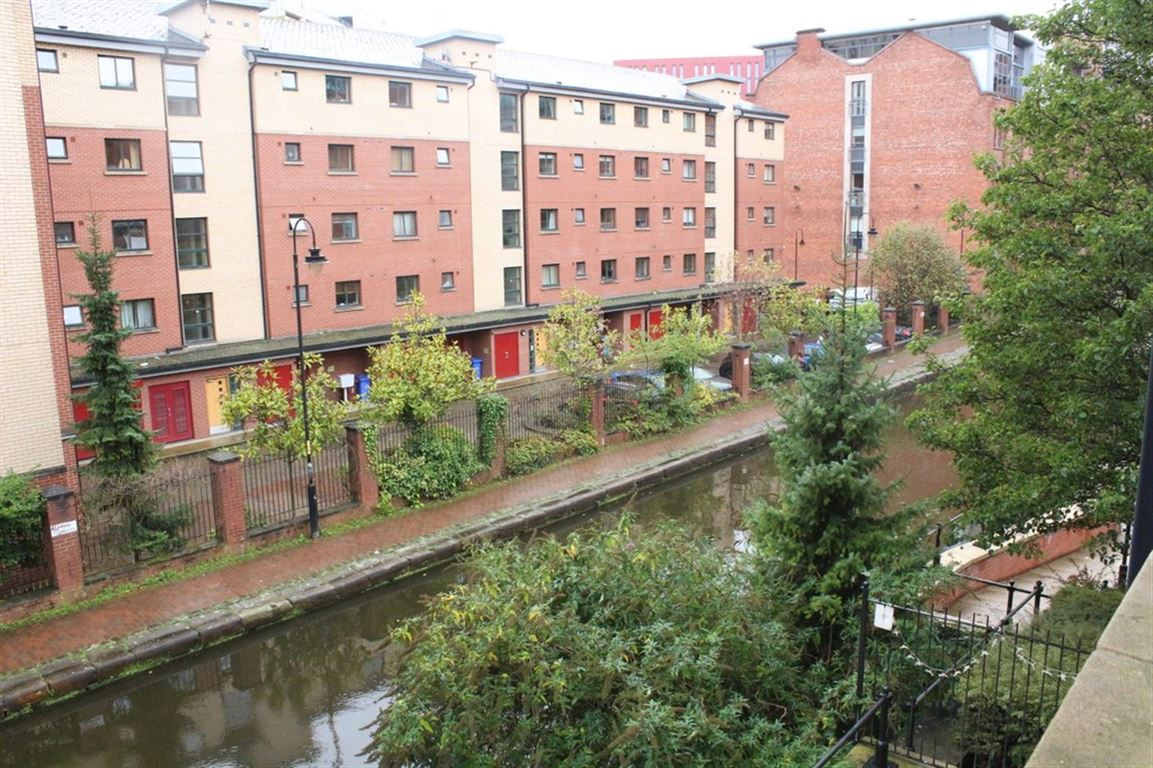 84 Bridgewater Bank, Manchester - 2 Bed - Apartment