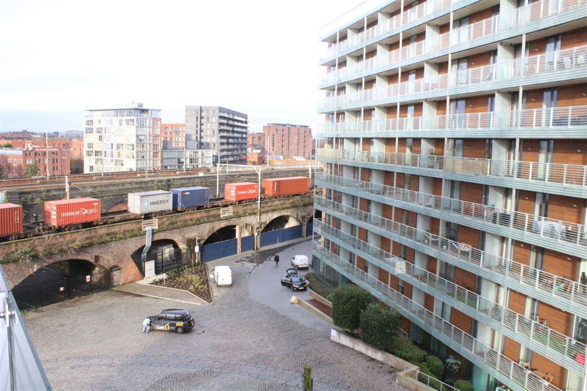St George\'s Island, Castlefield - 2 Bed - Apartment