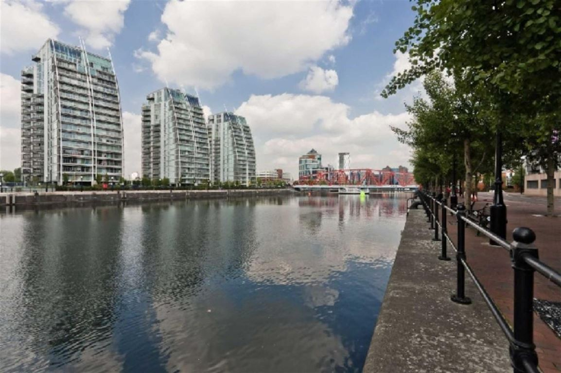 NV Building, Salford Quays - 2 Bed - Apartment