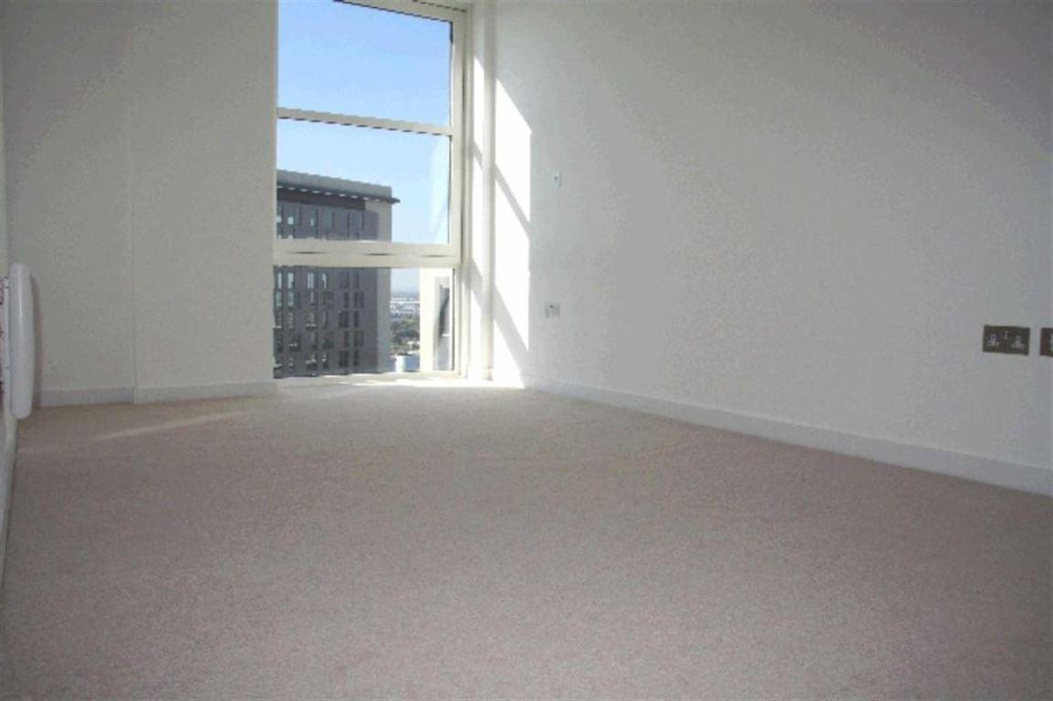 Pink No 1, Salford - 1 Bed - Apartment