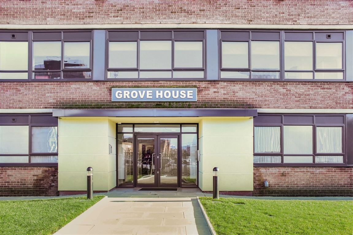 Grove House, Old Trafford - 2 Bed - Apartment