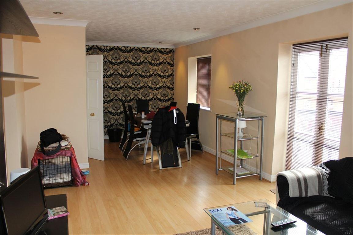 James Brindley Basin, Manchester - 2 Bed - Apartment