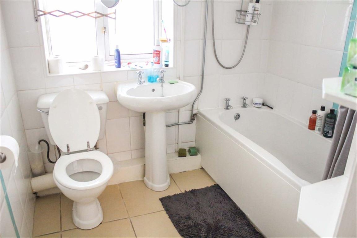 Ellishaw Row, Eccles New Road - 2 Bed - Apartment