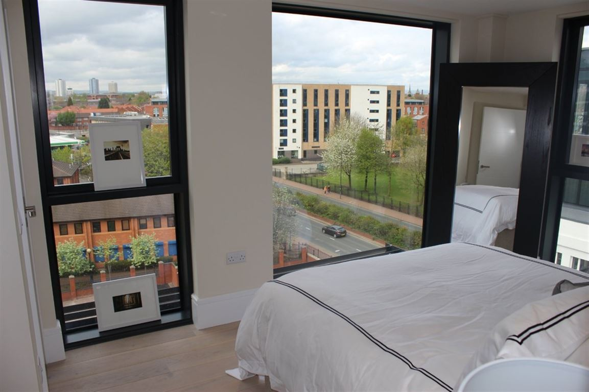 The Dock Office, Salford Quays - 3 Bed - Apartment