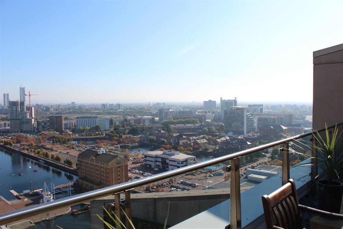 The Quays, Salford - 2 Bed - Penthouse