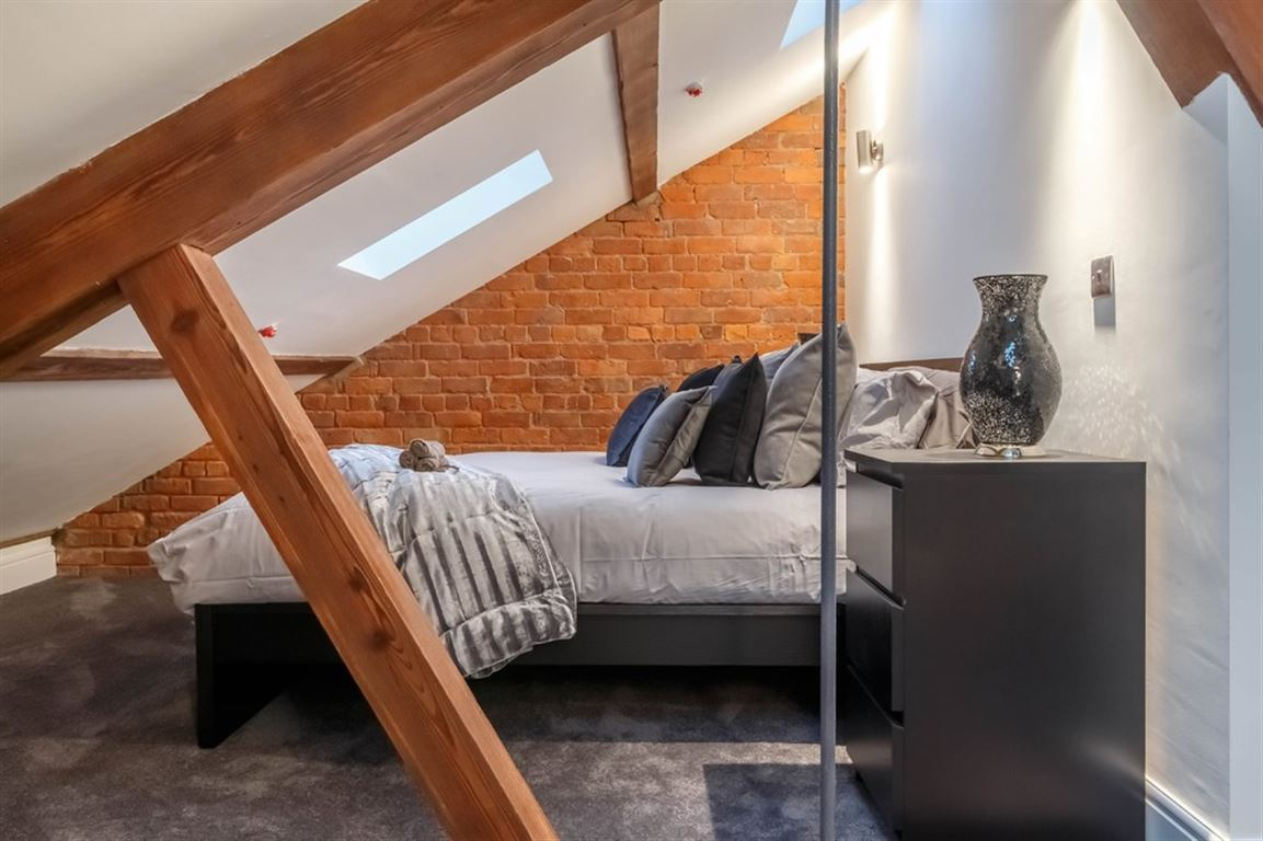 Globe House, Manchester - 2 Bed - Apartment