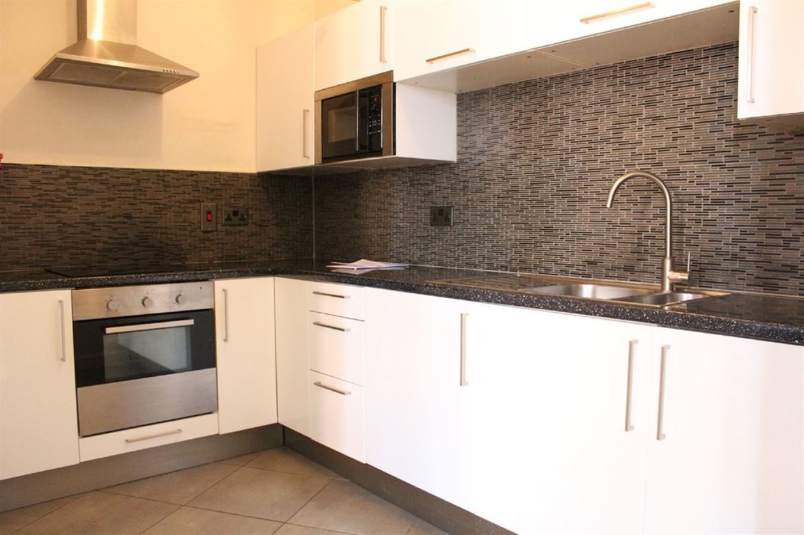Whitworth House, Manchester - 2 Bed - Apartment