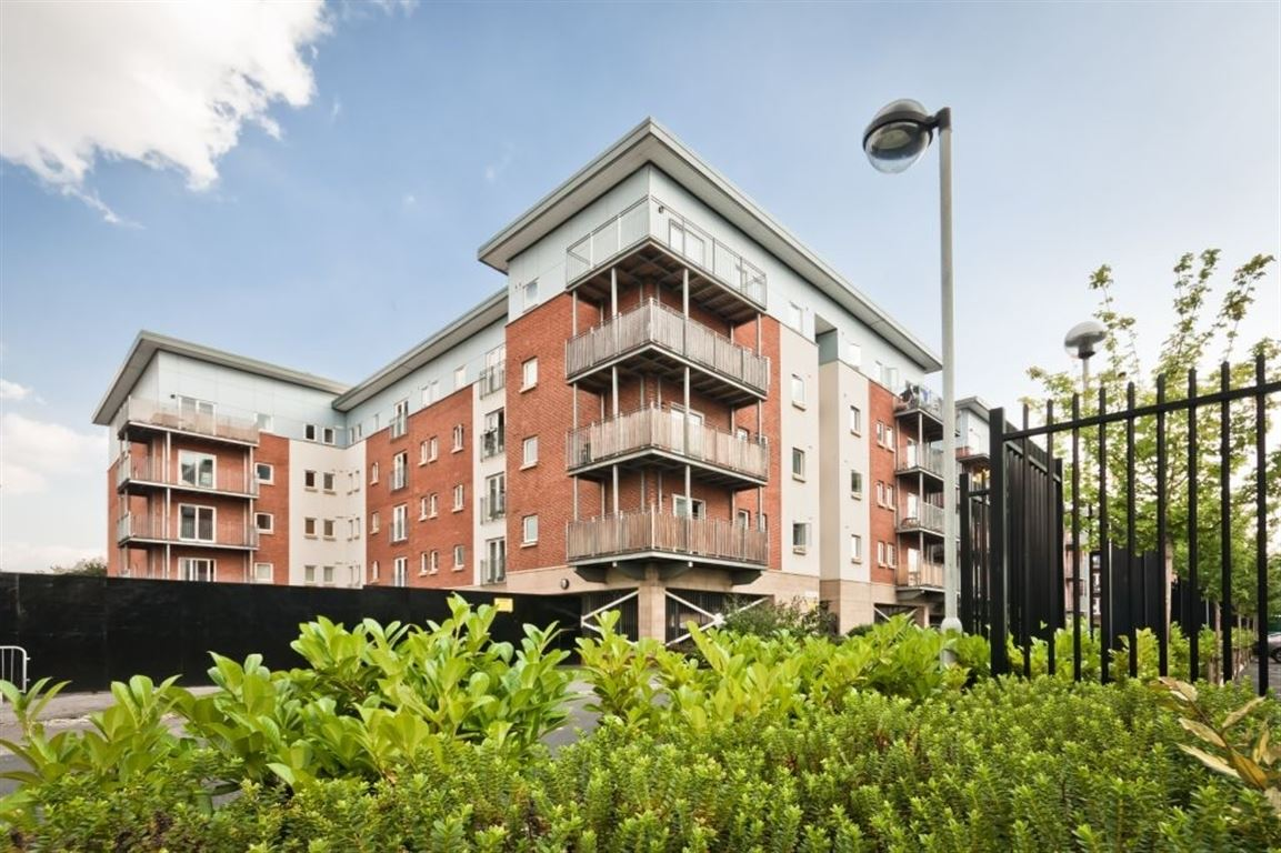 2 Bed Apartment Egerton House Salford 800