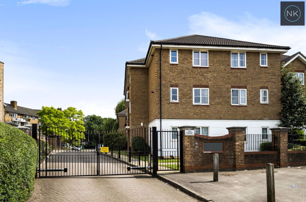 Maystocks Court, Chigwell Road, South Woodford E18