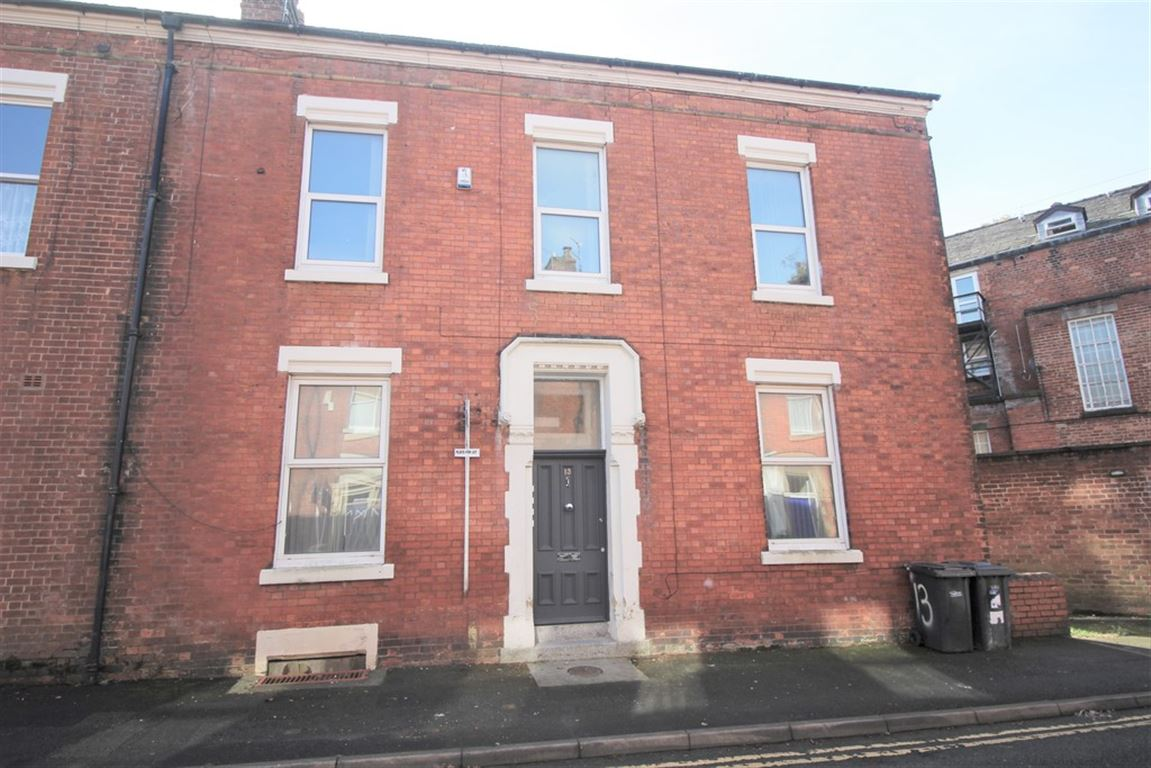 North Cliff Street, Preston marketed by Oystons Preston, call 01772 555551 to arrange a viewing