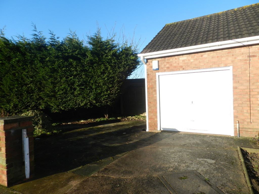 Elderwood Avenue, Thornton-Cleveleys marketed by Oystons Blackpool Lettings, call 01253 622 225 to arrange a viewing