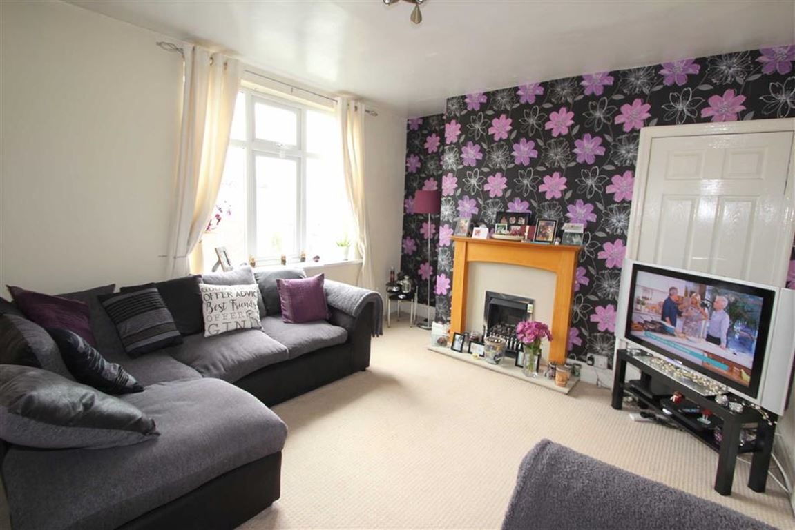 2 Bedrooms Flat for sale in Thorncliffe Place, North Shields, Tyne And Wear, NE29