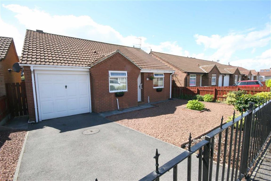2 Bedrooms Property for sale in Beadnell Gardens, Shiremoor, Tyne And Wear, NE27