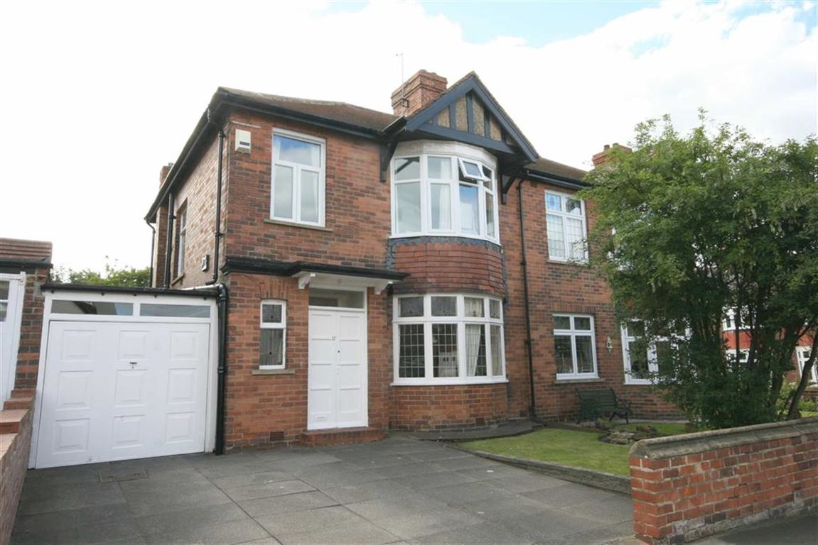 3 Bedrooms Semi Detached House for sale in The Drive, Tynemouth, Tyne & Wear, NE30
