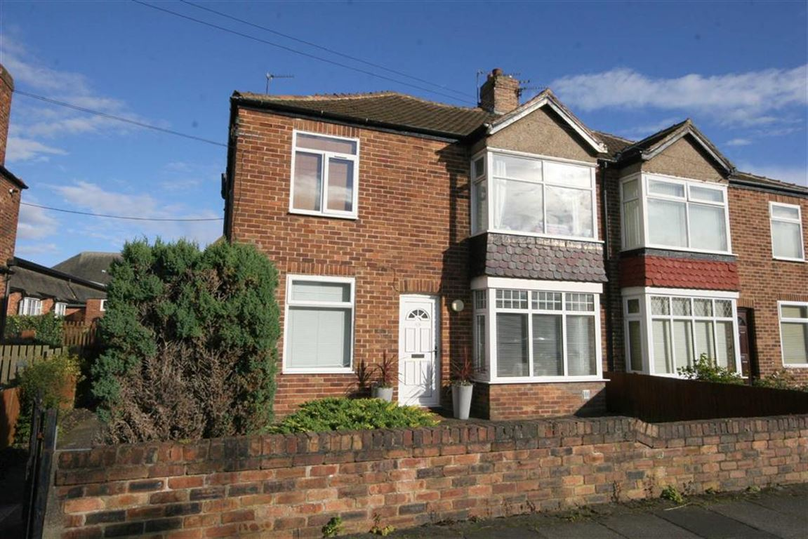 2 Bedrooms Flat for sale in Closefield Grove, Monkseaton, Tyne And Wear, NE25