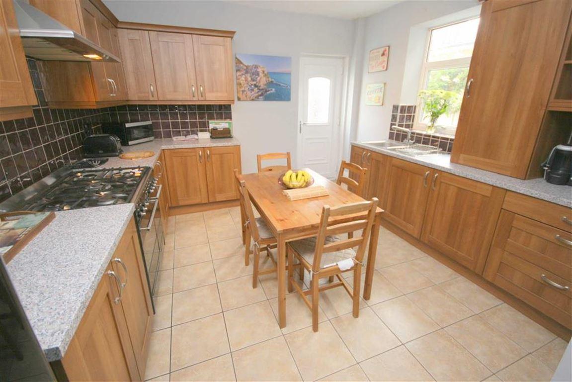 7 Bedrooms Terraced House for sale in Brook Street, Whitley Bay, Tyne & Wear, NE26