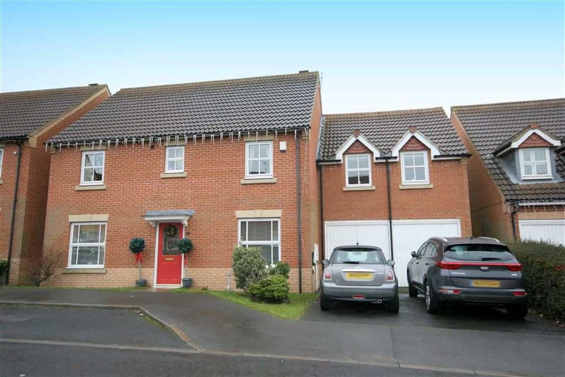 4 Bedrooms Detached House for sale in Fenwick Close, Northumberland Park, Tyne & Wear, NE27