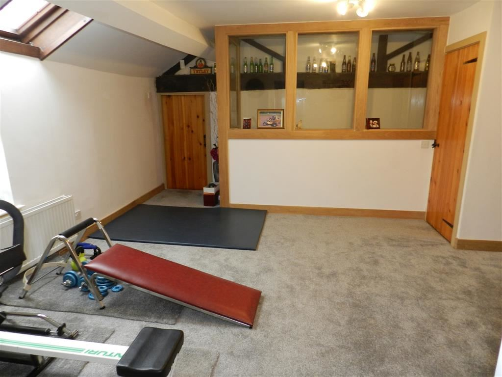 GAMES/PLAY ROOM
